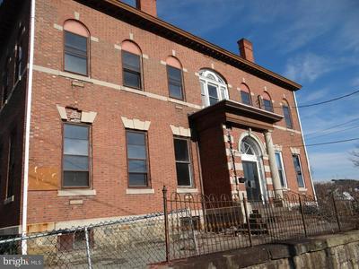 418 W RACE ST, POTTSVILLE, PA 17901 - Photo 2