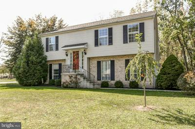 8 WOODED RUN DR, DILLSBURG, PA 17019 - Photo 2