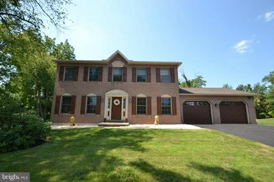 2244 FOREST HILLS DR, HARRISBURG, PA 17112 - Photo 1