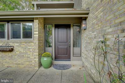 6705 RIVER TRAIL CT, BETHESDA, MD 20817 - Photo 2