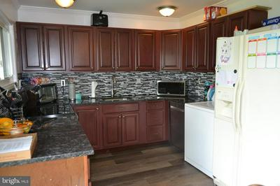 20 TOWPATH RD, LEVITTOWN, PA 19056 - Photo 2