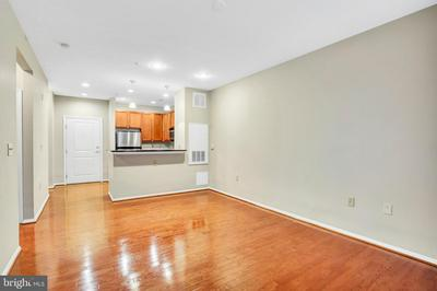 2655 PROSPERITY AVE APT 121, FAIRFAX, VA 22031 - Photo 1
