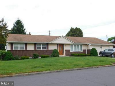 7521 COLUMBINE RD, MACUNGIE, PA 18062 - Photo 1