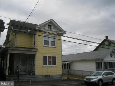 208 W MARKET ST, WILLIAMSTOWN, PA 17098 - Photo 1