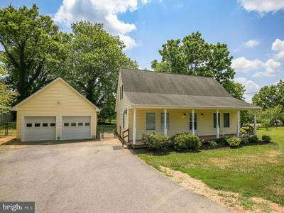 15 N GREENWAY AVE, BOYCE, VA 22620 - Photo 1
