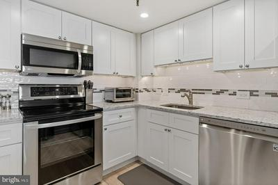 2001 HAMILTON ST APT 1501, PHILADELPHIA, PA 19130 - Photo 2