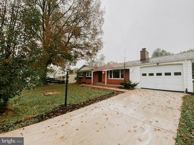 10011 MORELAND ST, FORT WASHINGTON, MD 20744 - Photo 2