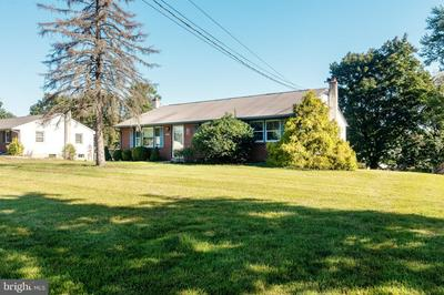 2605 CROWNVIEW RD, POTTSTOWN, PA 19464 - Photo 2