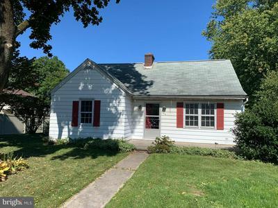 415 W GOVERNOR RD, HERSHEY, PA 17033 - Photo 1