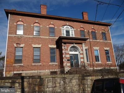 418 W RACE ST, POTTSVILLE, PA 17901 - Photo 1