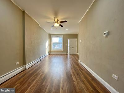 1039 SPRING ST, READING, PA 19604 - Photo 2