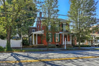 3 LINCOLN WAY W, NEW OXFORD, PA 17350 - Photo 2