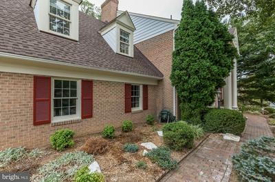 9421 SUNNYFIELD CT, POTOMAC, MD 20854 - Photo 2