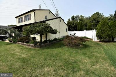 4 HARVEST LN, BURLINGTON, NJ 08016 - Photo 2