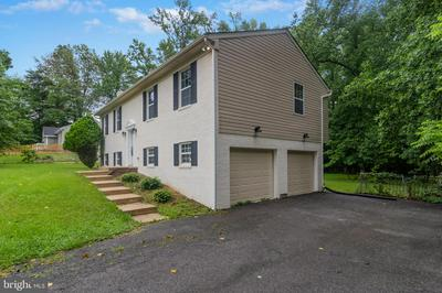 7906 COLONIAL LN, CLINTON, MD 20735 - Photo 2