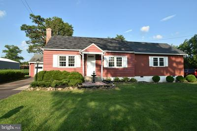 2725 N OLD BETHLEHEM PIKE, QUAKERTOWN, PA 18951 - Photo 2
