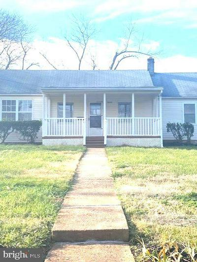 7636 CHESTNUT ST, MANASSAS, VA 20111 - Photo 1
