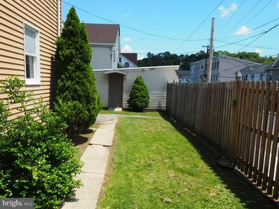 401 N RAILROAD ST, TAMAQUA, PA 18252 - Photo 2