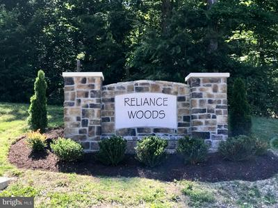 500 RELIANCE WOODS DR, MIDDLETOWN, VA 22645 - Photo 1