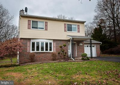 657 TANGLEWOOD CT, POTTSTOWN, PA 19464 - Photo 2