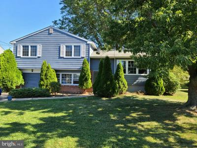 899 PHILLIPS RD, WARMINSTER, PA 18974 - Photo 1