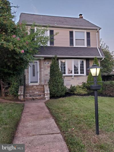 1221 10 OAKS RD, BALTIMORE, MD 21227 - Photo 1