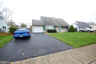30 CURRY HILL RD, LEVITTOWN, PA 19057 - Photo 2
