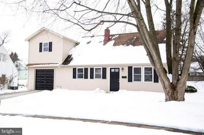 1071 PLANE ST, MIDDLETOWN, PA 17057 - Photo 2