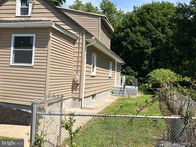 8 VENICE AVE, BRISTOL, PA 19007 - Photo 2
