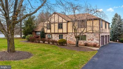 1995 PEPPERMINT RD, COOPERSBURG, PA 18036 - Photo 2