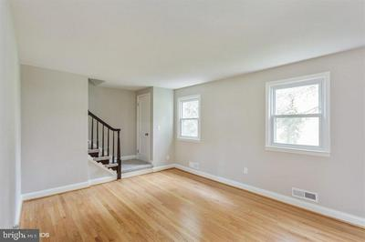 3029 3RD AVE, PARKVILLE, MD 21234 - Photo 2