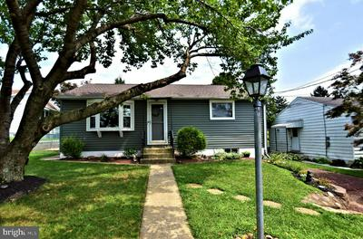 1341 TWEED AVE, ALLENTOWN, PA 18103 - Photo 2