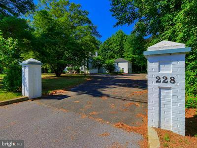228 S FRONT ST, GEORGETOWN, DE 19947 - Photo 2