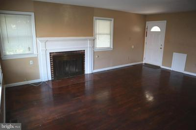 2110 FOREST GLEN RD, SILVER SPRING, MD 20910 - Photo 2