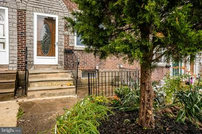 5332 BRITTANY DR, CLIFTON HEIGHTS, PA 19018 - Photo 1