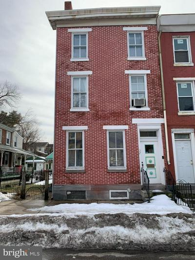 32 E ELM ST, NORRISTOWN, PA 19401 - Photo 1