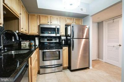 1001 N RANDOLPH ST APT 213, ARLINGTON, VA 22201 - Photo 2