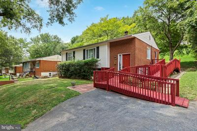 6824 FURMAN PKWY, RIVERDALE, MD 20737 - Photo 2