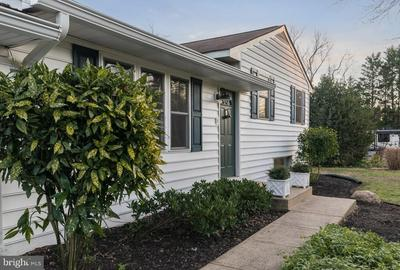 109 HOLLY RD, EDGEWATER, MD 21037 - Photo 2