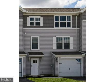 208 HIGHLAND CT, ANNVILLE, PA 17003 - Photo 1