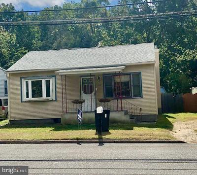 210 ELIZABETH ST, BORDENTOWN, NJ 08505 - Photo 2