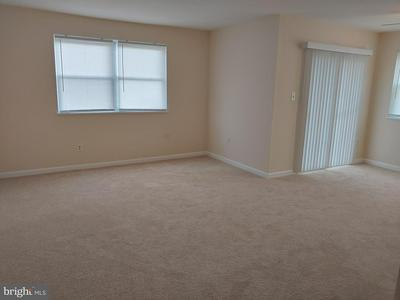 27 FLORENCE TOLLGATE PL UNIT 1, FLORENCE, NJ 08518 - Photo 2