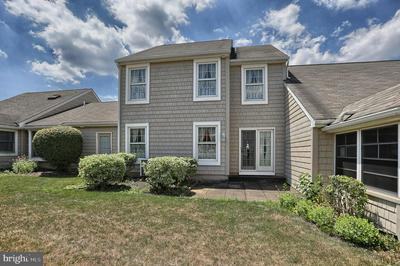 279 CRESCENT DR, HERSHEY, PA 17033 - Photo 2