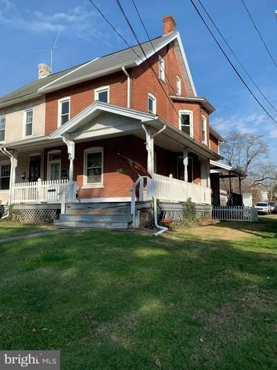 215 LAWN AVE, SELLERSVILLE, PA 18960 - Photo 1