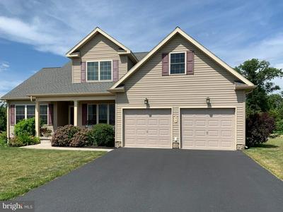 99 WOODLAND DR, New Oxford, PA 17350 - Photo 2