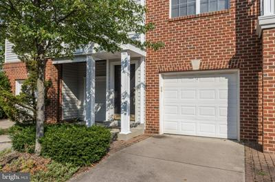 13105 MARCEY CREEK RD, Herndon, VA 20171 - Photo 2