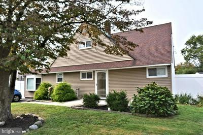 17 CYPRESS LN, LEVITTOWN, PA 19055 - Photo 1