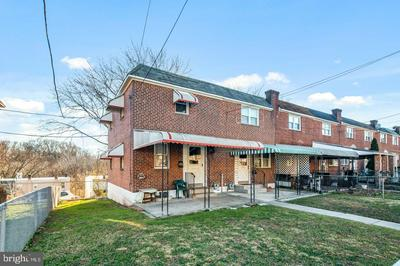 6730 MONTGOMERY AVE, UPPER DARBY, PA 19082 - Photo 2