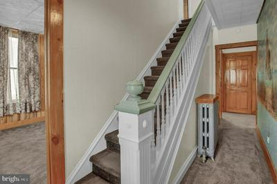 129 S HANOVER ST, HUMMELSTOWN, PA 17036 - Photo 2