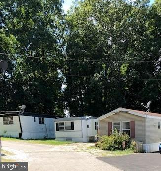 1365 RED HILL RD TRLR 37, NEW OXFORD, PA 17350 - Photo 2